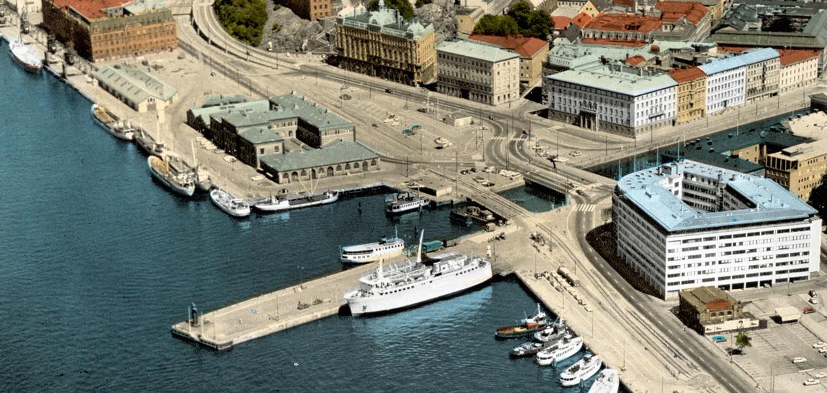De M/S Baltica langs de Stenpiren in Göteborg
