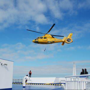 Stena Hollandica oefening – hoisten brandweerteam met helikopter op bovendek