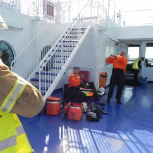 Stena Hollandica oefening – aankomst brandweerteam omkleden