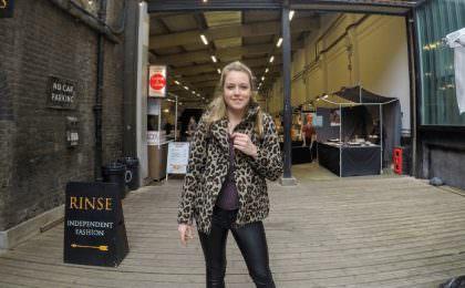 Jessey in Londen op de Briklane Market