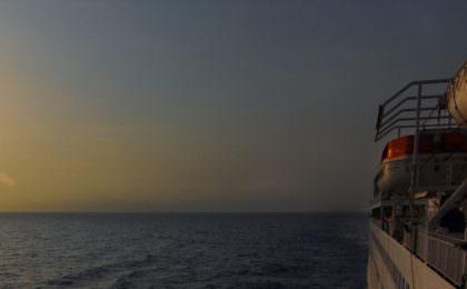 Zonsondergang vanaf de Africa Mercy