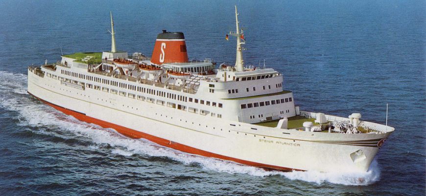 Stena Atlantica in 1972 op zee bij Kiel