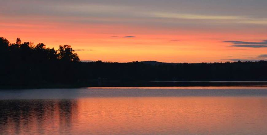 Eksjö Camping & Konferens meer zonsondergang